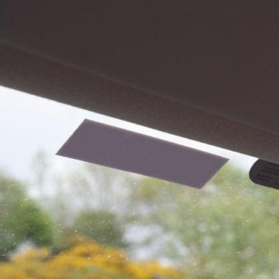 IQ 1200G Araç Cam Etiketi